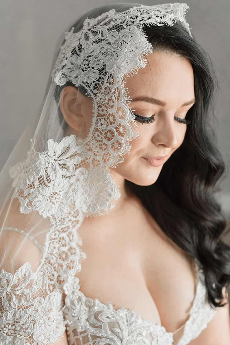 JAS Scalloped Lace Veil (Rental Only)